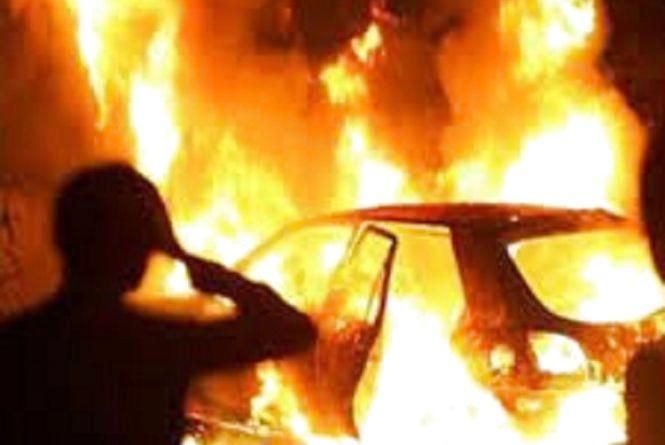 Вночі в Коростешві палав автомобіль