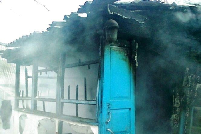 У Новоград-Волинському районі під час пожежі загинула жінка