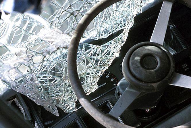 У Коростені рятувальники звільнили з понівеченого авто двох пасажирів
