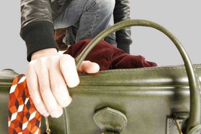 На Житомирщині жінка поцупила сумочку у відвідувачки кафе