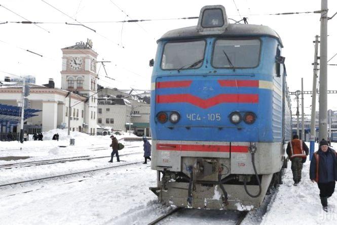 У 2017 році залізничники отримуватимуть вдвічі більшу зарплату