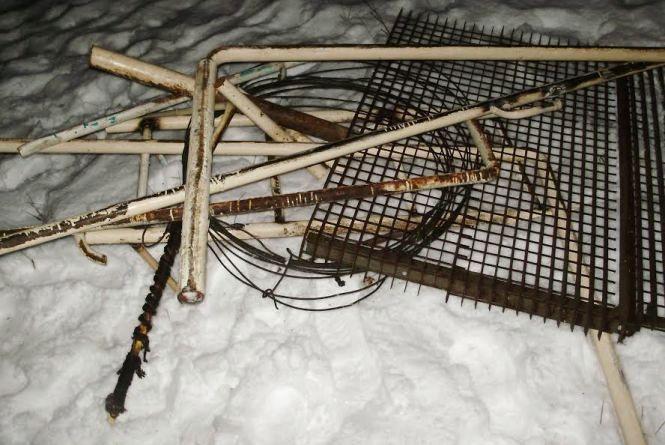 Житомирські прикордонники впіймали трьох чоловіків з радіоактивно забрудненим металобрухтом
