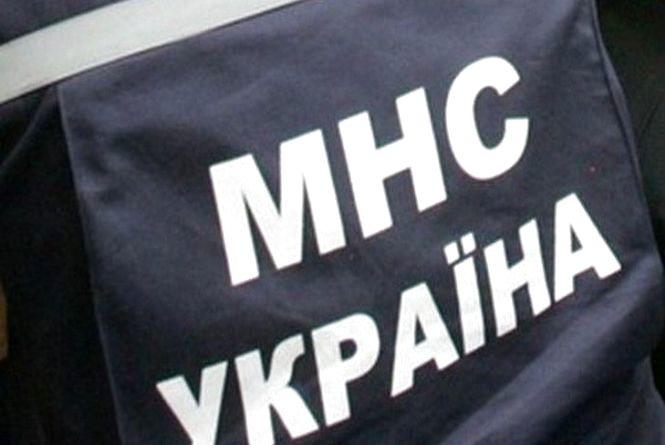 """Житомирські рятувальники вивільнили з квартирного """"полону"""" літнього хворого чоловіка"""
