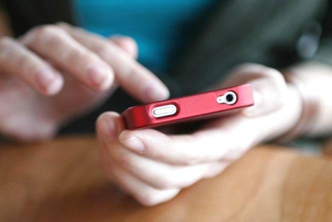 В Україні суттєво здорожчає мобільний зв`язок