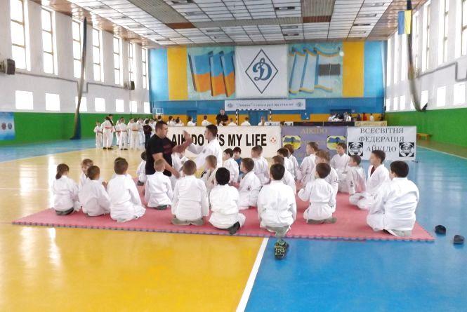 «В міцному тілі – міцний дух»: у Житомирі відбувся семінар «Школи чорних поясів»