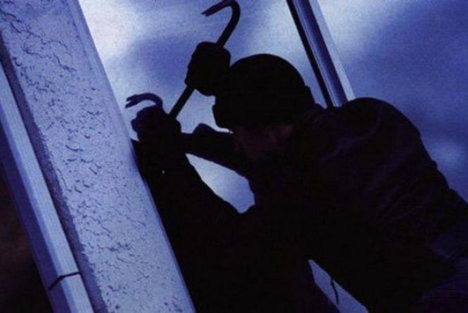У Житомирі затримали квартирного крадія
