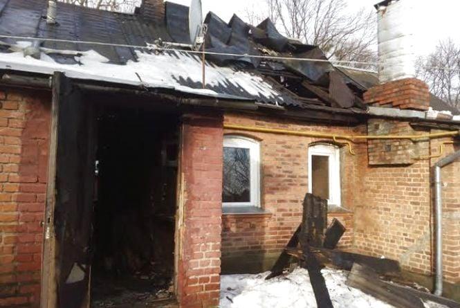 У Житомирі під час пожежі у багатоквартирному будинку виявили тіло чоловіка