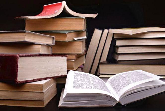 Українці активно купують книги у книжкових секонд-хендах