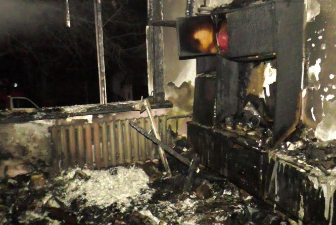 У Житомирі під час пожежі у багатоповерхівці врятували двох чоловіків