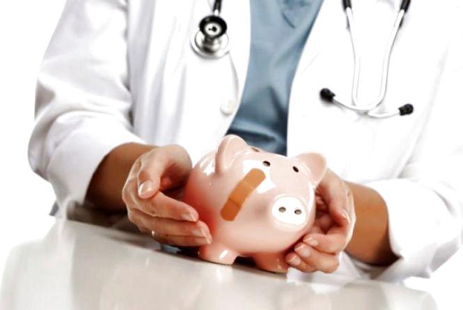У МОЗ повідомили, як вирішити проблему «зрівнялівки» зарплат медичних працівників