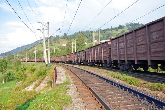 У Бердичеві вантажний потяг насмерть збив чоловіка