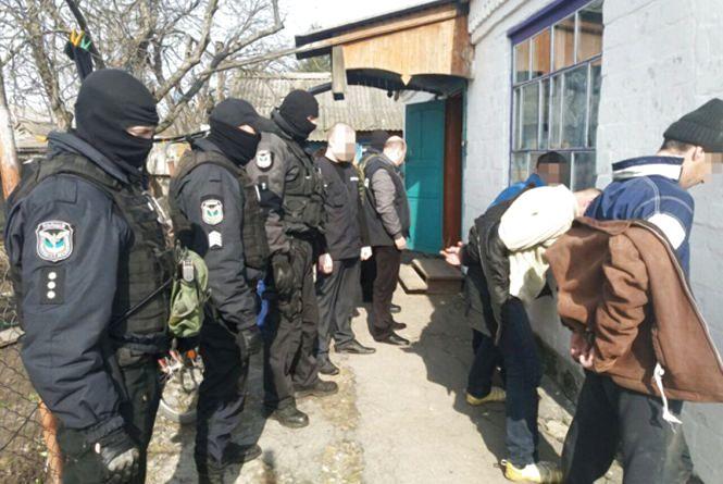На Житомирщині наркотики продавали... на цвинтарі