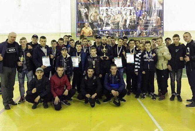 Знай наших: житомиряни здобули 22 медалі на чемпіонаті Вінницької області зі змішаних єдиноборств ММА