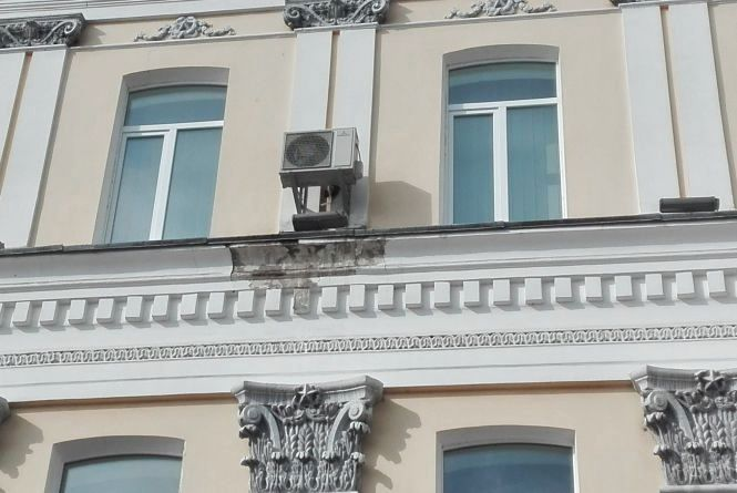 У Житомирі кондиціонери руйнують архітектуру міста