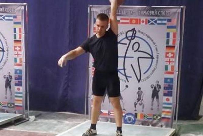 На Чемпіонаті України з двоборства студент житомирського вишу виборов «золото»