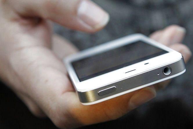 """У Житомирі затримали любителя """"зателефонувати"""" з чужого мобільного телефону"""