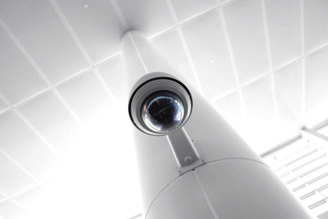 У всіх школах Житомира встановлять камери відеоспостереження