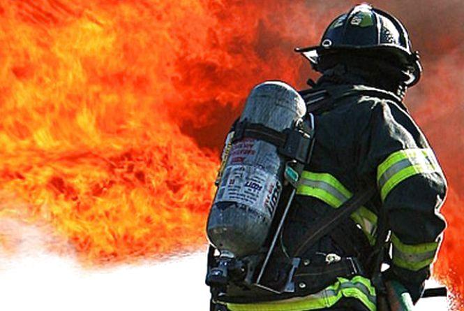 На Житомирщині під час пожежі врятували жінку-інваліда