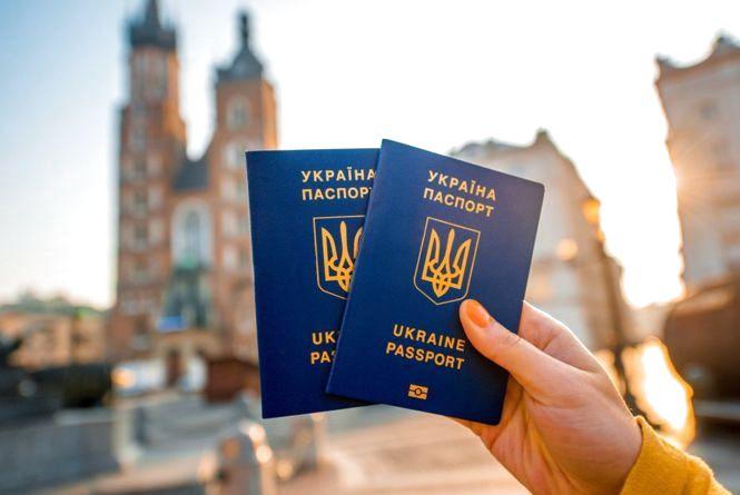 Безвіз для українців – правила, можливості і результат