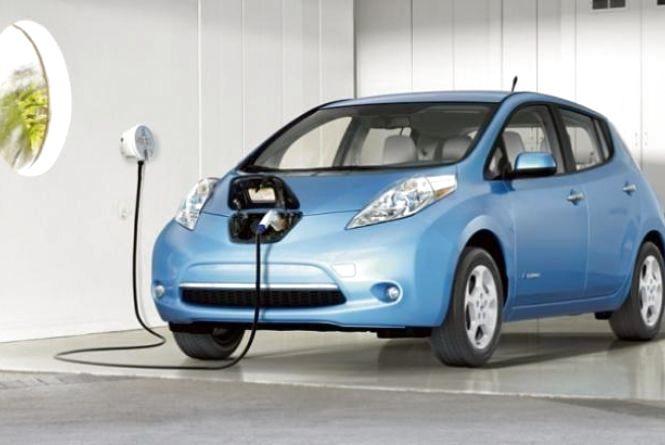 В Україні подешевшають електромобілі