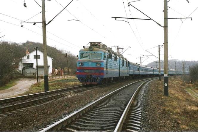 "На травневі свята ""Укрзалізниця"" призначила додаткові поїзди"