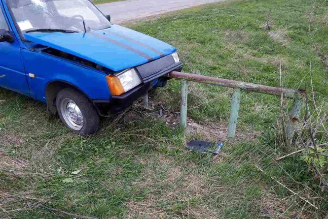 На Житомирщині молодики викрали автівку і потрапили на ній в ДТП
