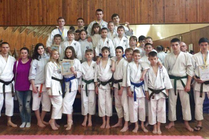 Житомиряни привезли нагороди з Чемпіонату України з традиційного карате