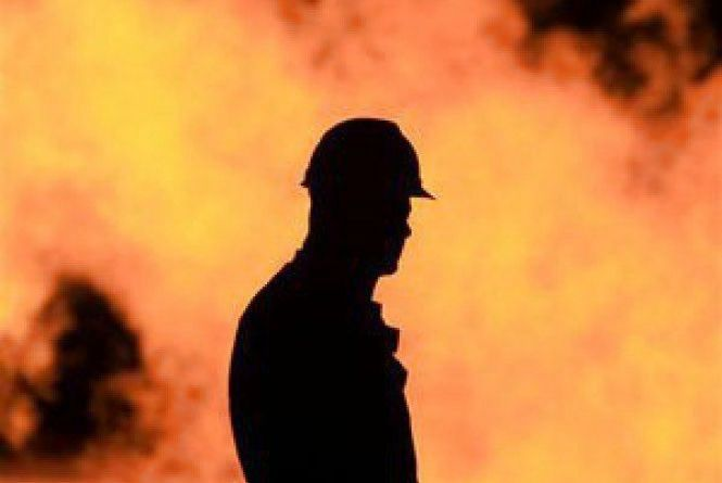 На Житомирщині під час пожежі у пустуючій будівлі врятували безхатченка