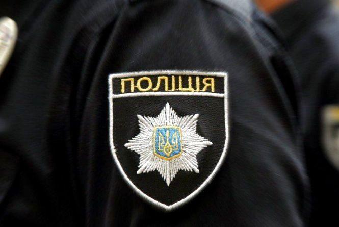 У Житомирі поліцейські впіймали чоловіка, який крав акумулятори з автомобілів містян