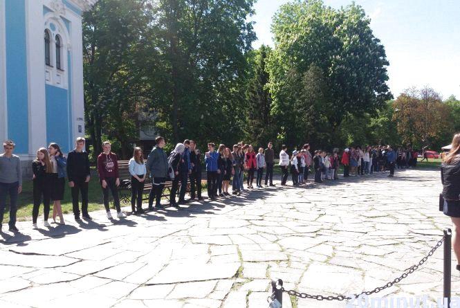 Щоб потрапити до музею, житомиряни стояли у черзі