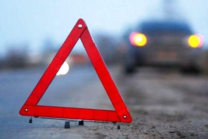 На Житомирщині зіткнулися чотири автомобілі: травмовано четверо дорослих і троє дітей