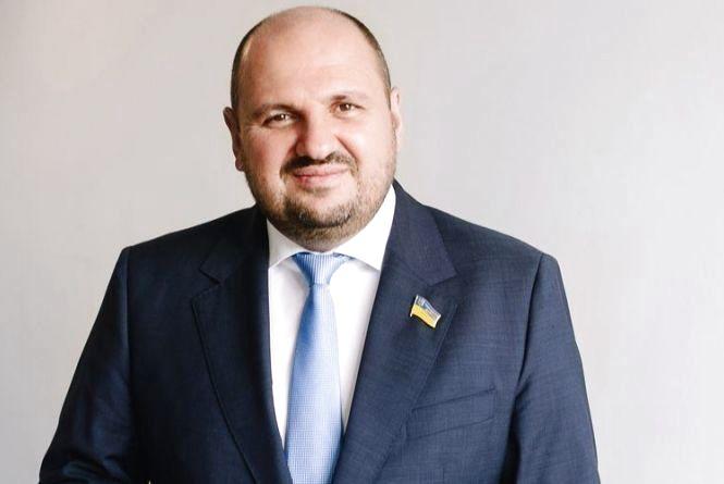 Детально про скандальне затримання охоронця нардепа Борислава Розенблата працівниками НАБУ.