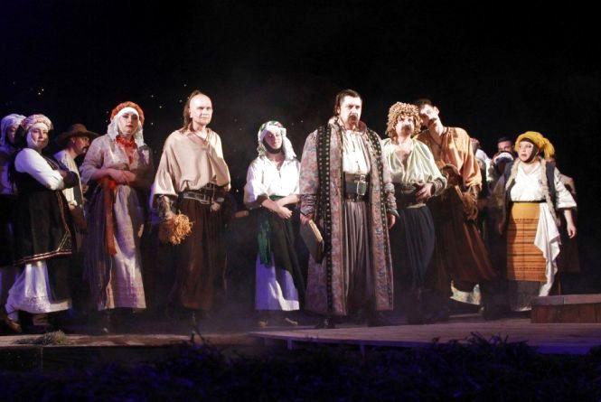 Житомирський драмтеатр закрив 73-й театральний сезон прем'єрою