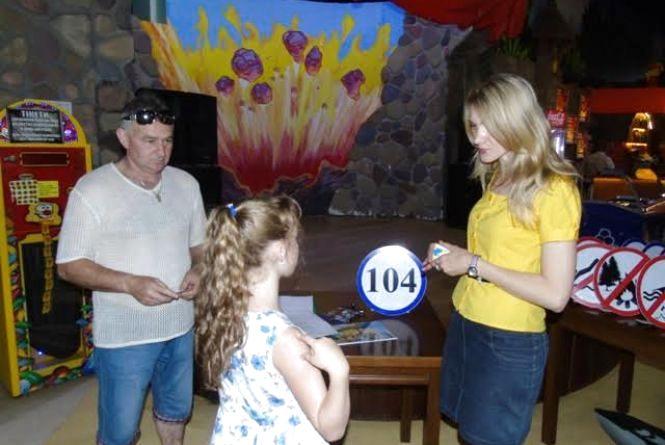Житомирські рятувальники продовжують навчати дітлахів безпечному відпочинку під час літніх канікул