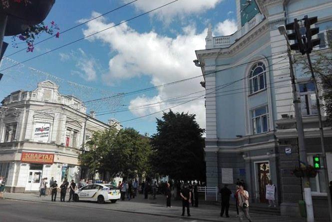 Житомирську міськраду посилено патрулюють поліцейські