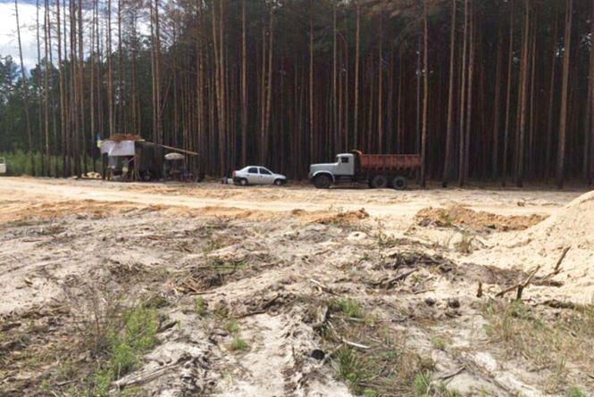 У Коростишівському районі екологи виявили місце незаконного видобування піску