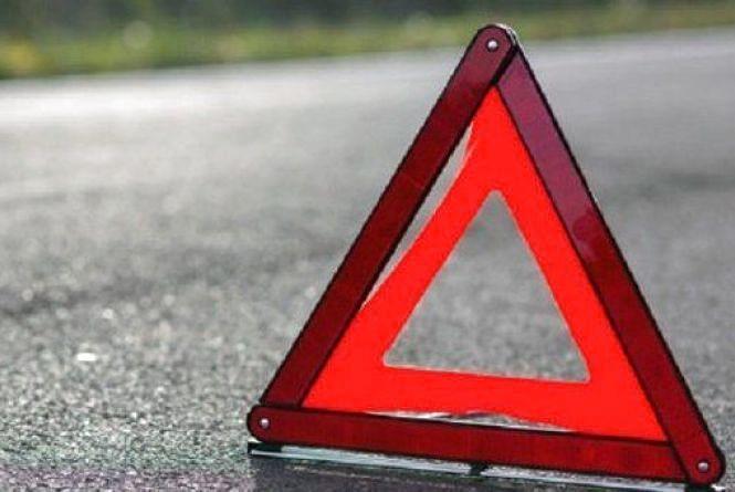 У Бердичівському районі перекинувся автомобіль: травмовані троє людей