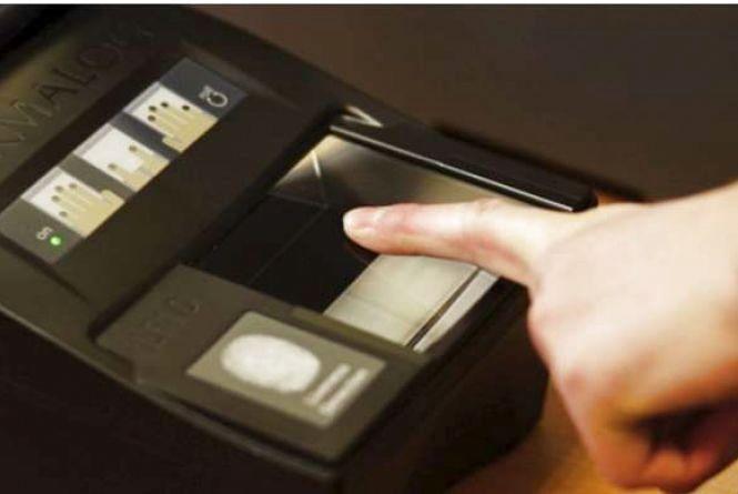 Альтернатива візовому режиму з Росією. Навіщо Україна запроваджує біометричний контроль для іноземців?