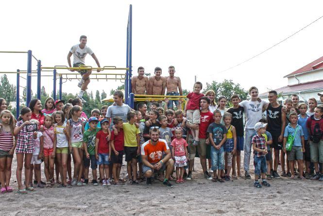 У Новогуйвинську з'явився новий майданчик для стріт воркауту