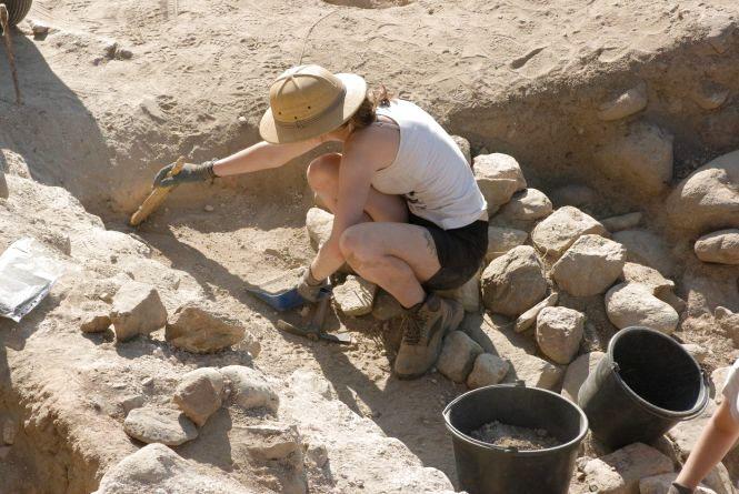 Сьогодні - День археолога