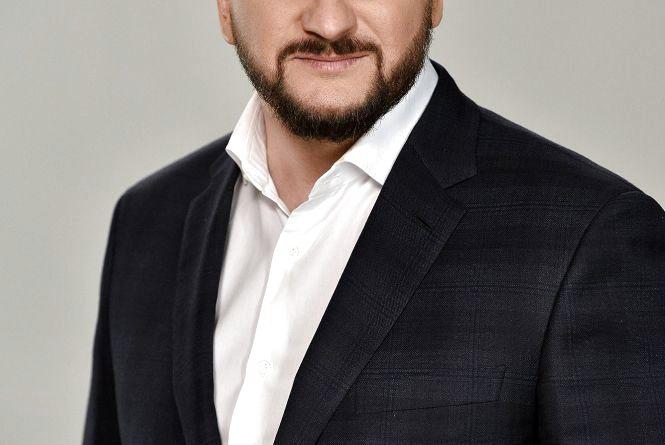 Консультує Міністр юстиції Павло Петренко