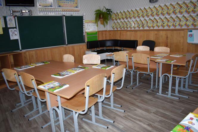Перша  леді України Марина Порошенко приїхала до Житомира на відкриття новоствореної  медіатеки в школі №28