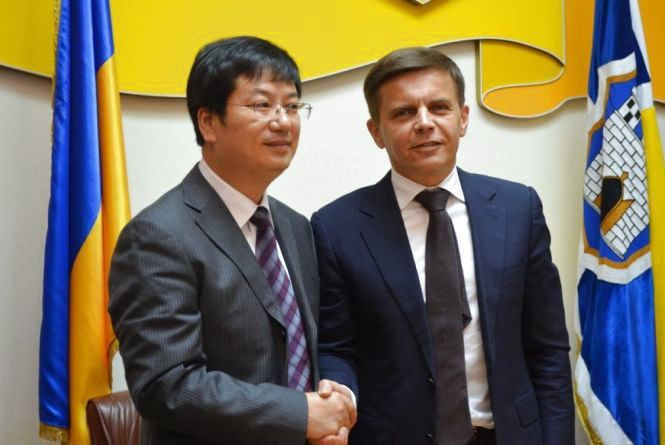 Міжнародна співпраця: Житомир підписав угоду про стратегічне співробітництво з китайським містом Шанглу
