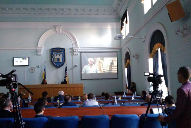На сесії міськради показали фільм «Вогонь самопосвяти», присвячений Олегу Ольжичу