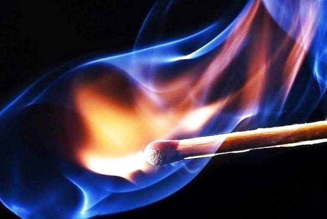У Чуднівському районі пустощі підлітка з підпалюванням бензину закінчилися у опіковому відділенні лікарні