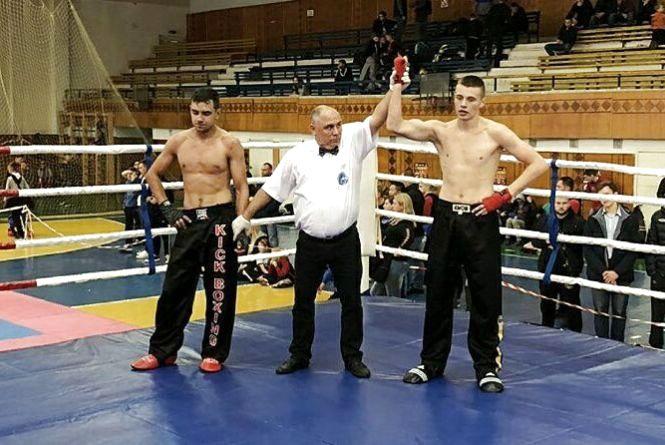 Житомирянин Єгор Фролов виборов срібло на Чемпіонаті України з кікбоксингу WАКО