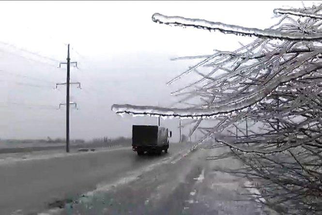 Водіїв Житомирщини попереджають про ускладнення погодних умов