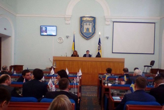 Батькам загиблого кіборга міські депутати виділили 30 тис. грн