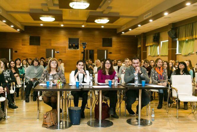 Школярі з Житомира пройшли до півфіналу всеукраїнського проекту «Молодь дебатує»