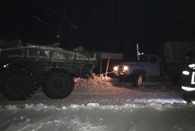 Рятувальники Житомирщини за добу вивільнили зі снігових заметів 39 одиниць техніки